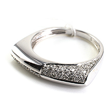 Bague or gris 18K recto verso pavage diamants